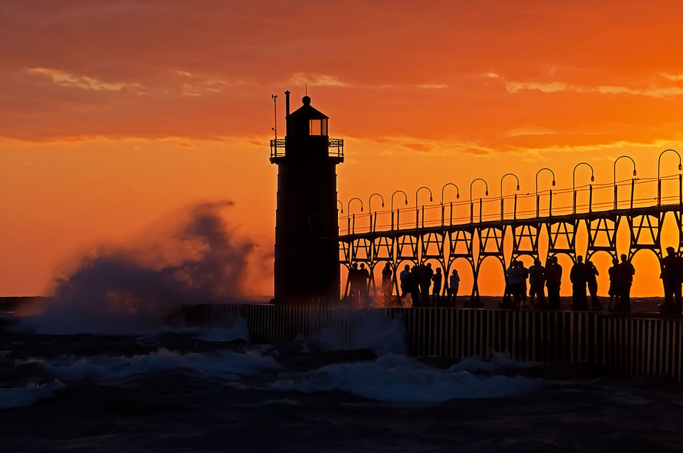 Lighthouse Pointe Condominiums